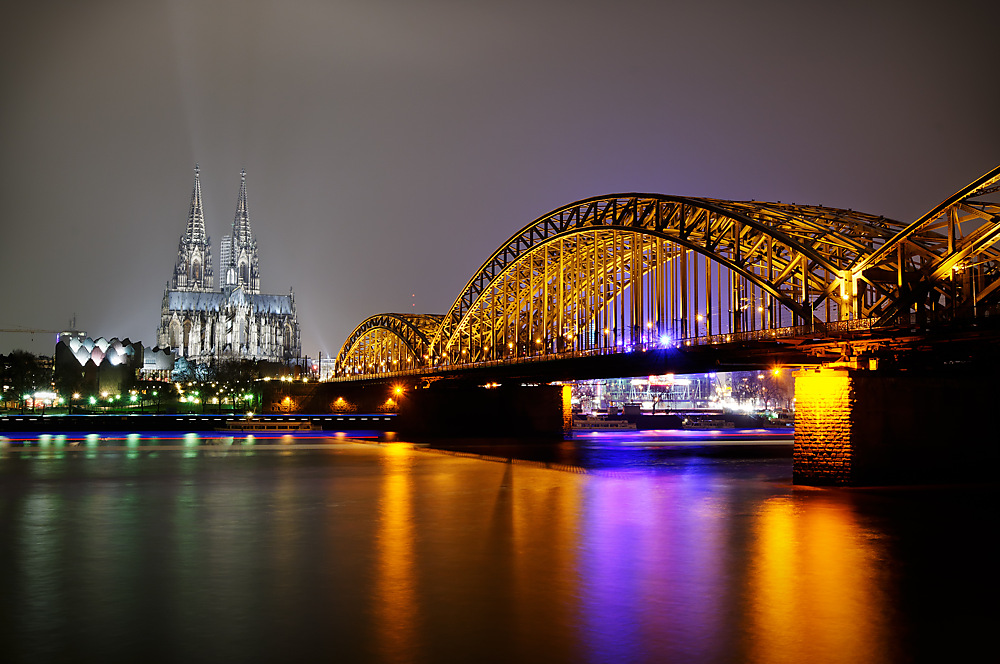 photoblog image Cologne at Night